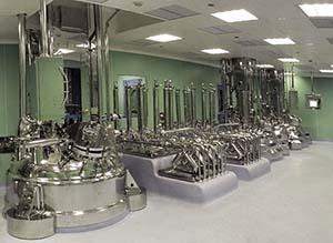 Füllstandsensoren kontrollieren und steuern die unterschiedlichsten Produktmengen.