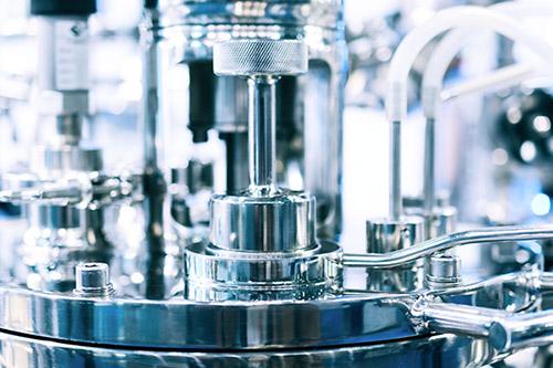 Mit der Software zenon von COPA-DATA lässt sich die chargenbasierte Produktion steuern und optimieren