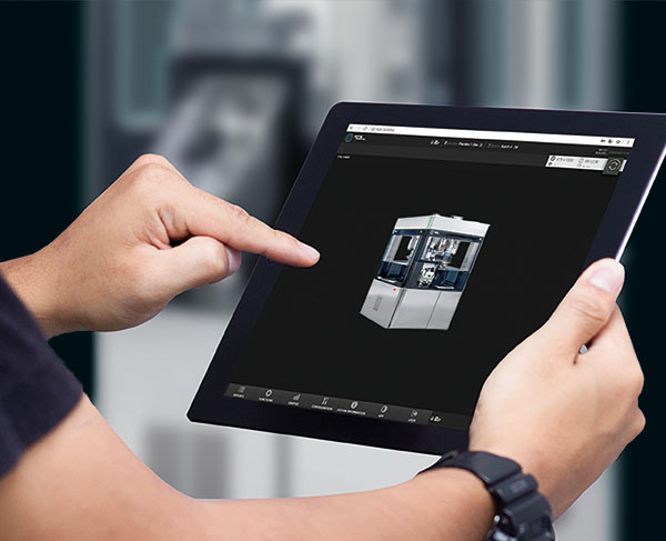 Mit dem SmartInterface können die Bediener den Produktionsprozess der Tablettenpresse F30i in Echtzeit über mobile Endgeräte überwachen.