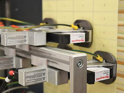 Das Highspeed-Drucksystem kennzeichnet mit 120 variablen Drucken pro Sekunde.