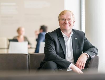 Dr.-Ing. Stefan Hartung ist seit 01.01.2013 Geschäftsführer der Robert Bosch GmbH, zuständig für den Unternehmensbereich Energy and Building Technology