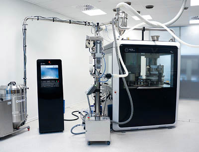 Test bestanden: Bei Probeläufen im deutschen Competence Center hat die Kapselfüllmaschine FEC20 ihre Leistungsstärke bewiesen.