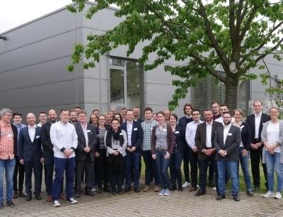 Teilnehmer aus der pharmazeutischen Entwicklung und Produktion
