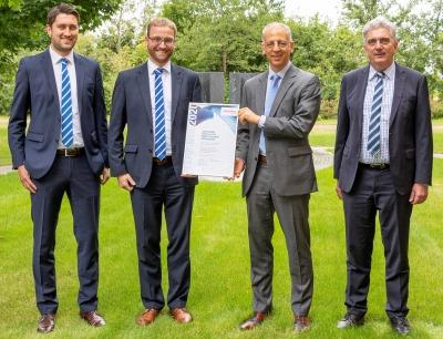 Schreiner Group: Pöppelmann mit Lieferanten-Award geehrt