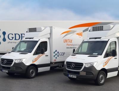 Bei Unitax stehen u.a. 12 neue Fahrzeuge für den temperaturgeführten Transport der Impfstoffe zur Verfügung