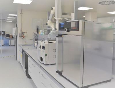 Modernes Laborumfeld in dem neuen 1800 m2-Gebäude