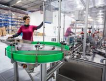 Logistikspezialist Erdt sichert die Qualität des Etikettendrucks mit dem Validierungssystem ODV von Printronix Auto ID