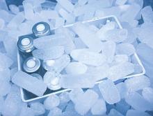 Trockeneis für Transport und Lagerung von Covid-19-Impfstoffen