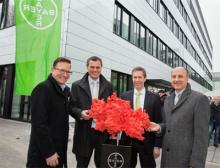 Bayer weiht neues Laborgebäude für die Analytische Kontrolle ein