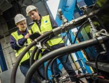Zu den Instandhaltungsarbeiten zählt auch die Überprüfung und Ausbesserung der Isolierung