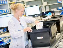 Der Mehrwegbehälter MB von Bito-Lagertechnik aus Regranulat - mit Thermoisoliereinsatz - im Bereich Pharma