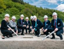 Die feierliche Grundsteinlegung für die Produktions-, Lager- und Büroräumlichkeiten fand am 24. Mai 2019 statt