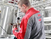 Arbeitssicherheit im Werk und auf Kunden-Baustellen im Fokus