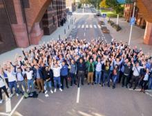 Erstsemester der Provadis Hochschule feiern ihren Studienstart