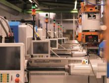 14 neue Spritzgussmaschinen der neuesten Generation machen die Produktion von Sanner in Bensheim fit für die Zukunft