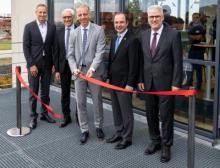 Symbolische Eröffnung des neuen Produktionsstandortes