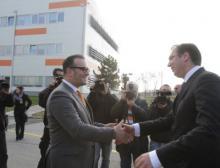 Dr. Ronald Seeliger, CEO von Hemofarm und der serbische Premierminister Aleksandar Vučić auf der Einweihungsfeier