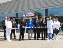 Bundeskanzlerin Angela Merkel eröffnet gemeinsam mit Ministerpräsident Dietmar Woidke das neue Produktionsgebäude von Takeda in Oranienburg